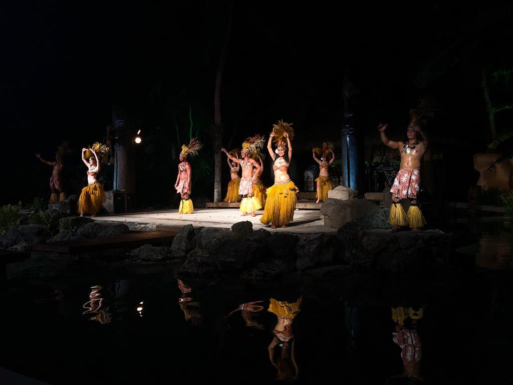 魚眼海洋公園:傳統舞蹈表演