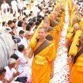 泰國慶典-潑水節-和尚祝福示意