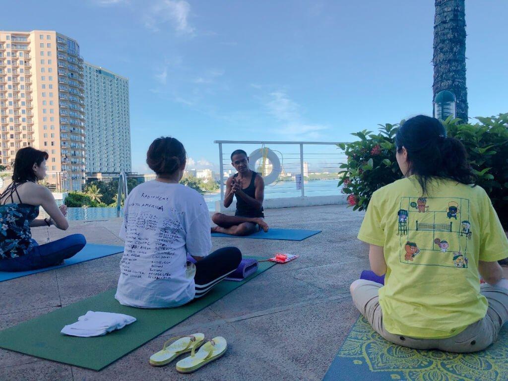 關島珊瑚礁飯店住宿推薦(Reef Guam)-早晨瑜珈