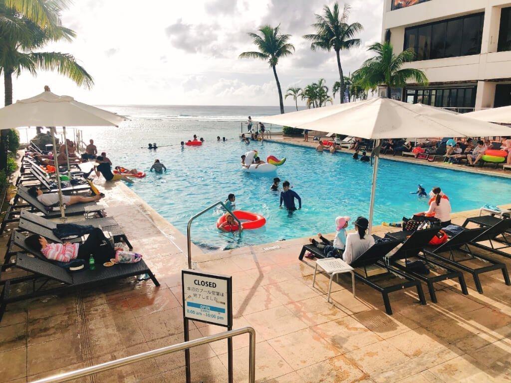 關島珊瑚礁飯店住宿推薦(Reef Guam)-泳池遊戲
