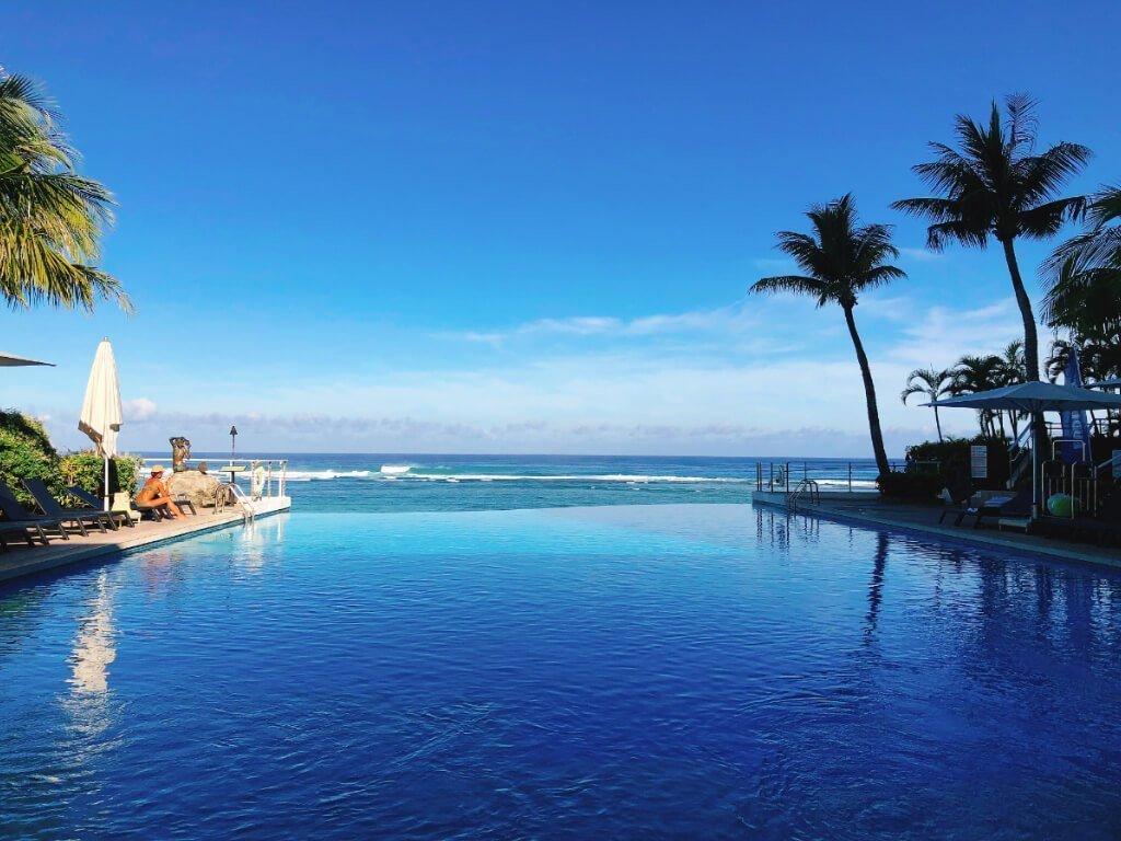 關島珊瑚礁飯店住宿推薦(Reef Guam)-無邊際泳池 (1)