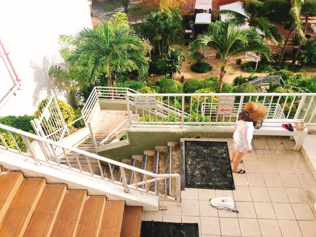 關島珊瑚礁飯店住宿推薦(Reef Guam)-直通沙灘