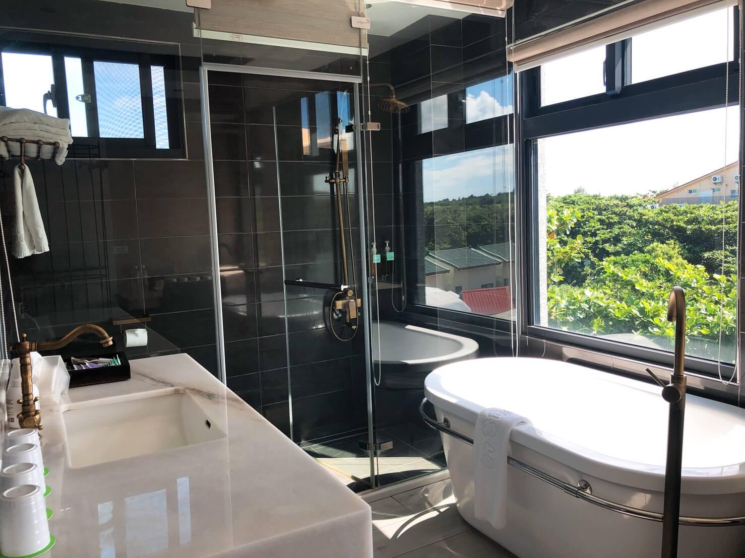 墾丁住宿好評推薦_Okra villa_交通、房價、特色介紹_浴室很美2
