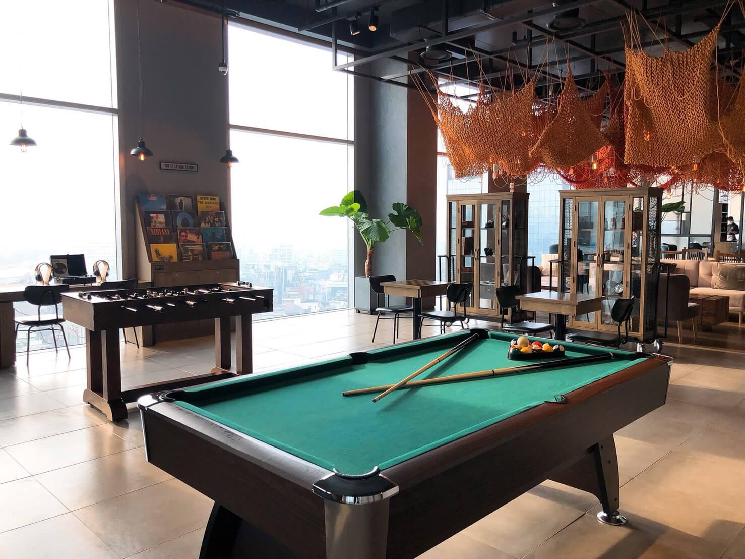 首爾住宿推薦_弘大L7樂天飯店好評介紹_飯店內部公共設施很棒_撞球檯